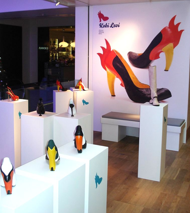 30cm_Shoe_Display_Plinths_London_Hire_by_Exhibition_Plinths