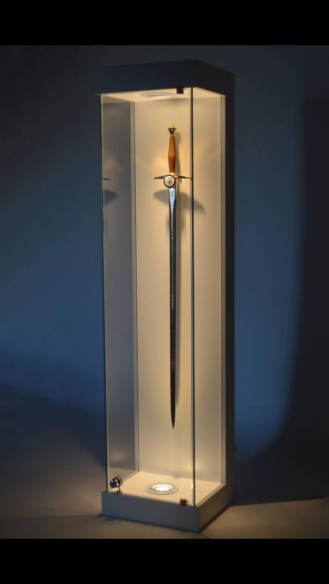 Exhibition Display Cabinet : Sword glass display cabinet exhibition plinths